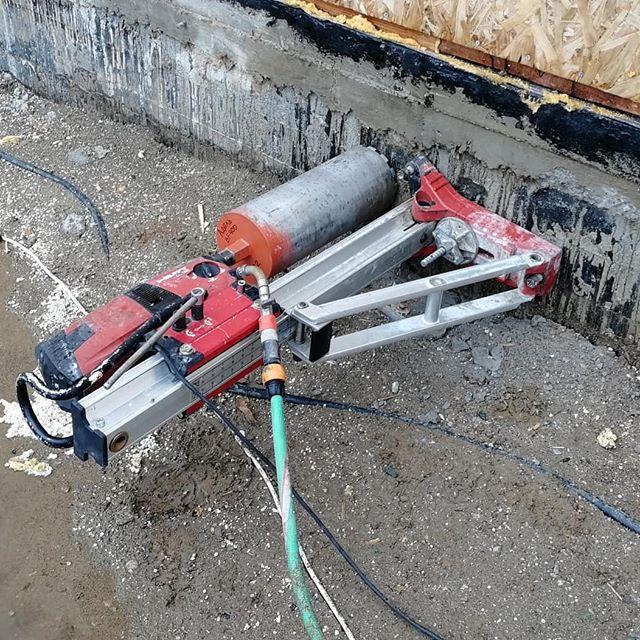 расценки на сверление отверстий в бетоне перфоратором